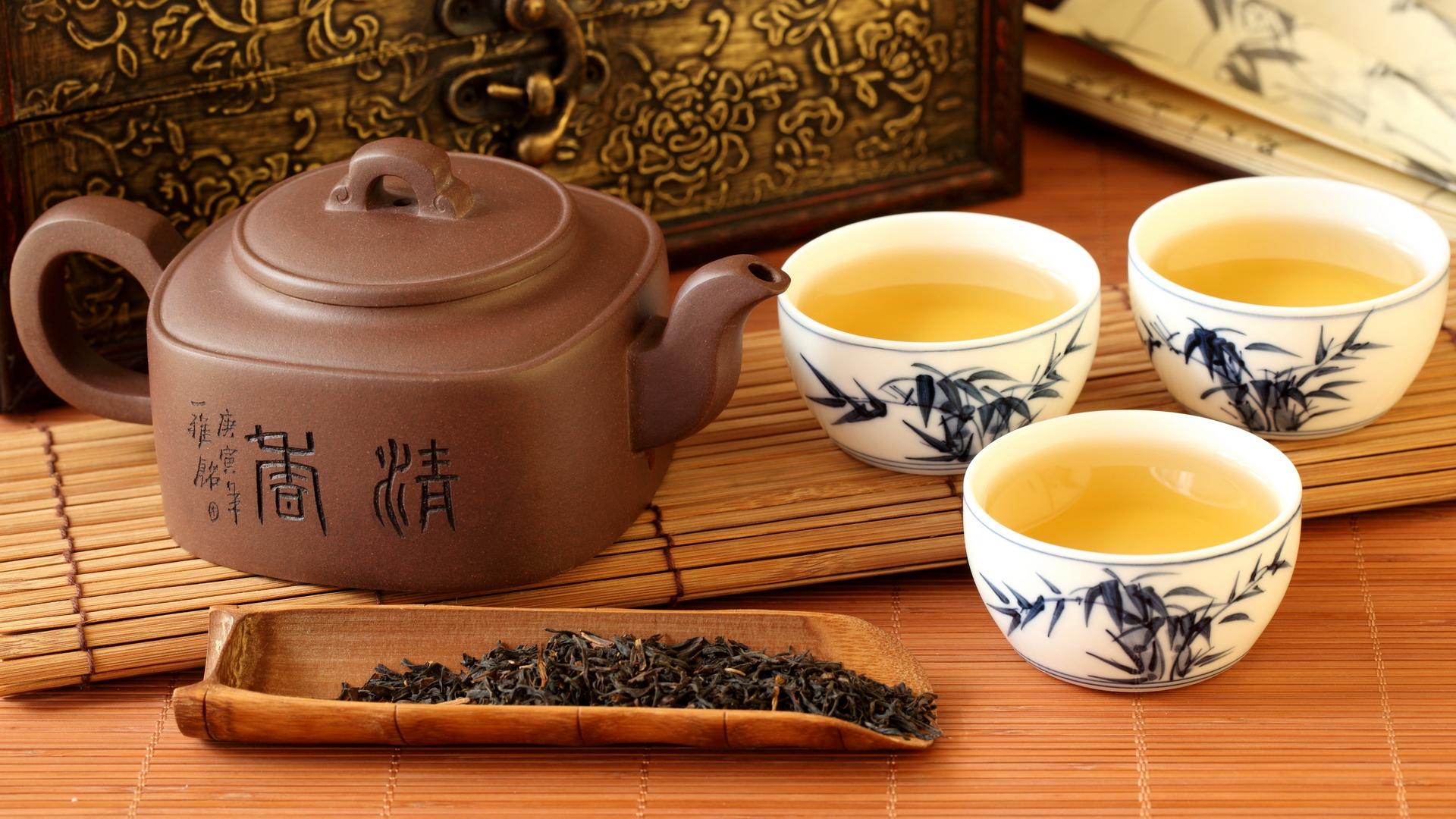 Оригинальные подарки – это и приглашения на чайную церемонию.